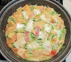 タジン鍋で作る♪麩とタケノコのミルク煮