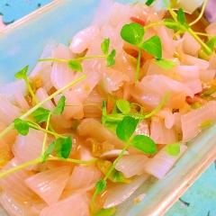 新玉葱とグリーンオリーブのアンチョビマリネサラダ