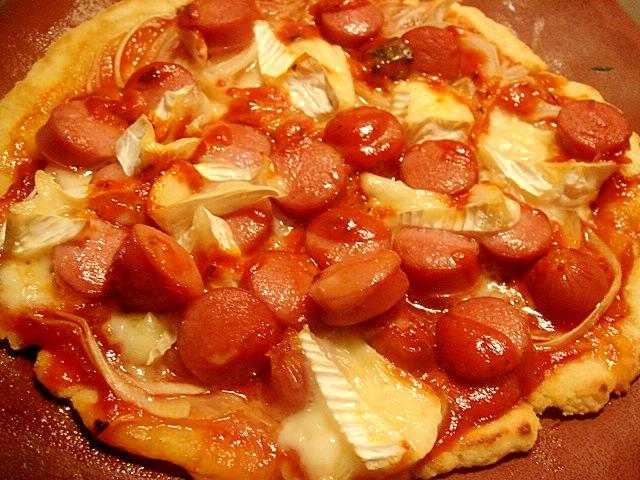 カマンベールとろとろピザ
