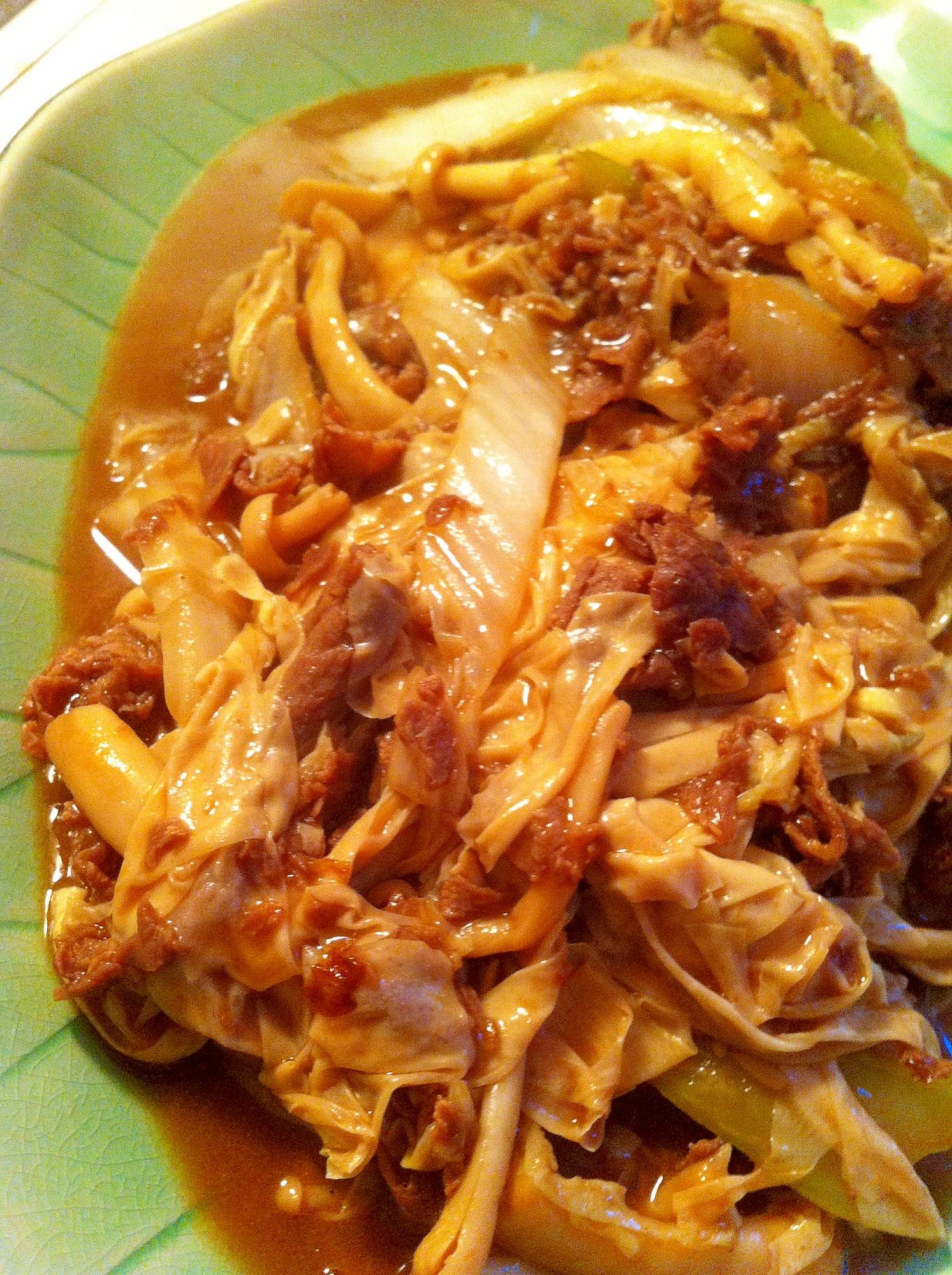 湯葉とラム肉のオイスターソース炒め