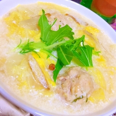 白菜どっさり!大豆&豚団子の中華風スープ