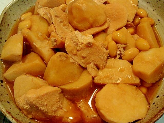 里芋、大豆、鶏の炊き合わせ