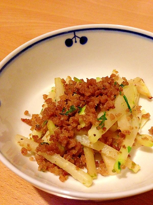 コールラビと合いびき肉の炒め物