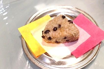 【簡単 お祝い】ラスク的なパリパリ砂糖衣のお赤飯