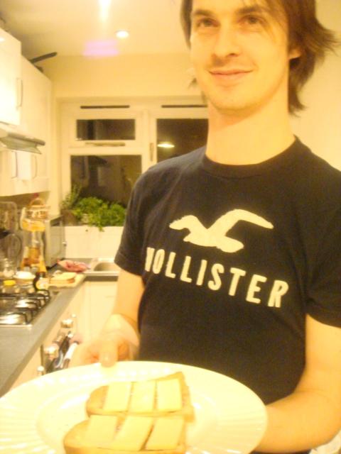 マーマイトのおいしい食べ方、チェダーチーズトースト
