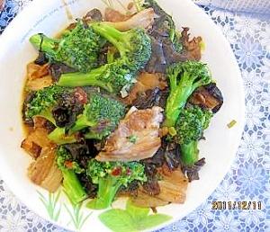 豚バラ肉とブロッコリー、きくらげの豆板醤炒め