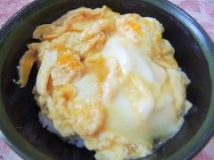 簡単5分!ふっくら!卵だけの玉子丼(たまごどん)