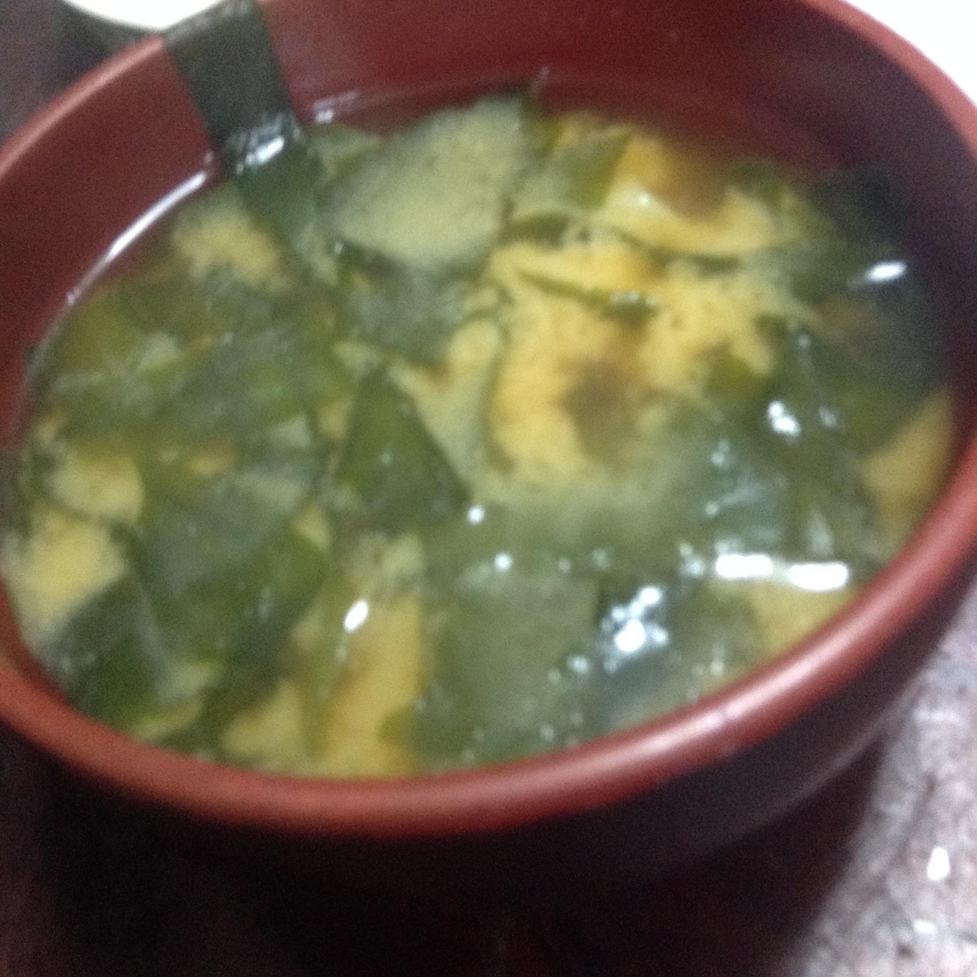 ワカメと菊芋の味噌汁