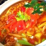 香味野菜で出汁がきいてるトマトカレー鍋