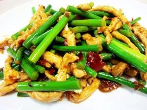 ニンニクの芽と細切り肉の炒め物(蒜苔肉)