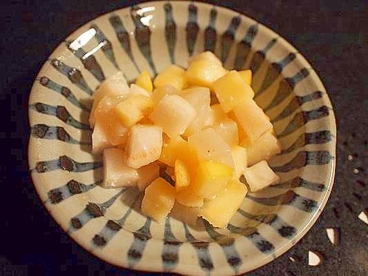 箸休めの小鉢に♪ 林檎・大根・蒟蒻の塩麹漬け