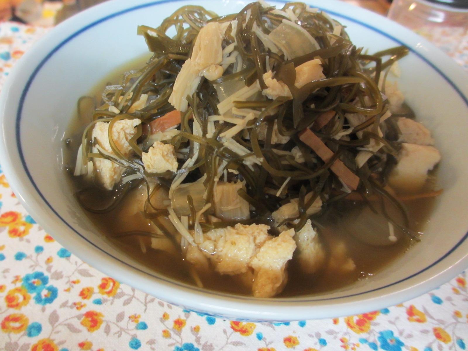 冷凍豆腐と切り昆布のスルメ醤油煮
