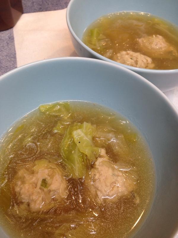 とり肉だんごとキャベツのスープ煮