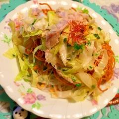 麺on麺のバリちゅる中華風堅揚げ焼きそばサラダ