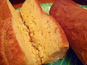 がっつり食べたい☆ガーリックトースト