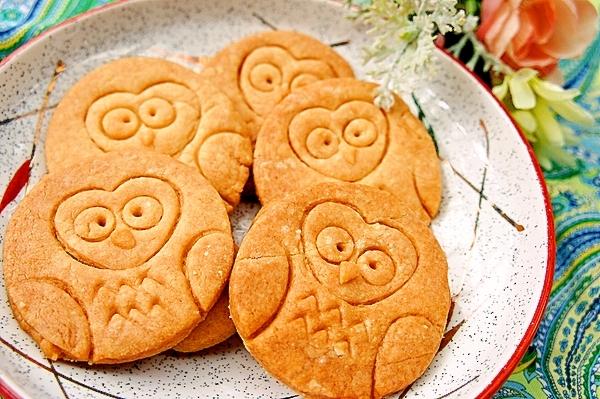 家にある型であっという間に♪可愛いふくろうクッキー