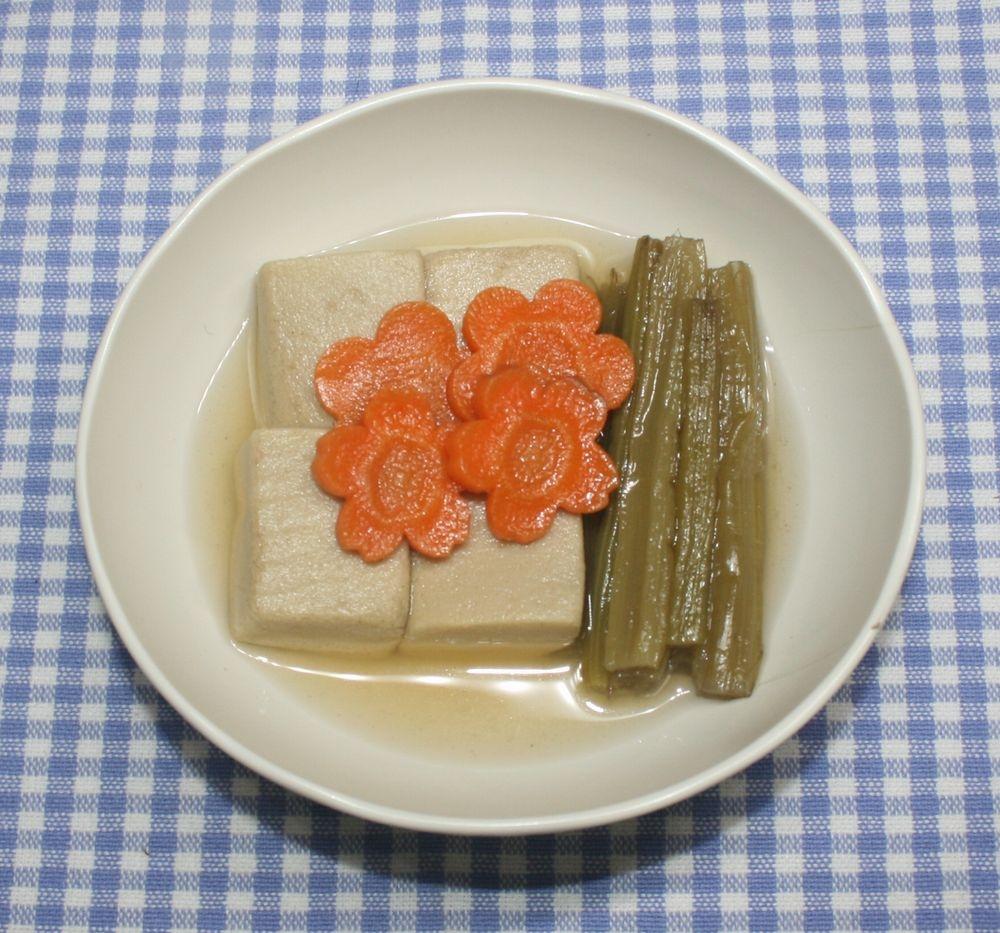 簡単☆定番料理☆乾燥ふきと高野豆腐の煮物