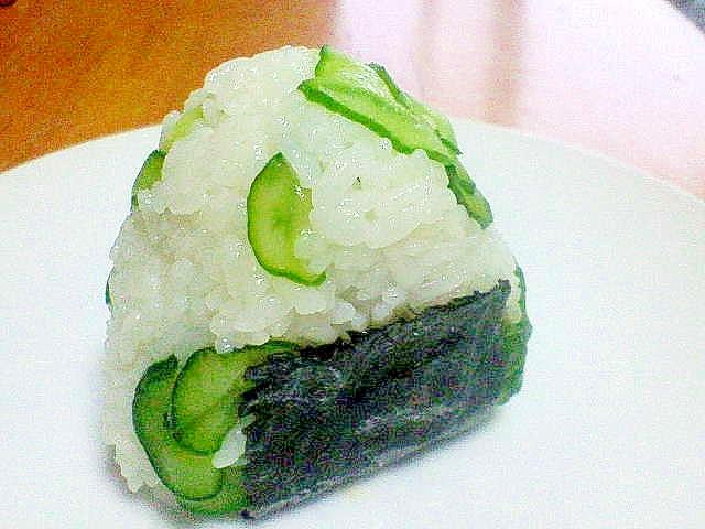 北海道「(塩)時鮭と地元野菜のおにぎり」~リメイク