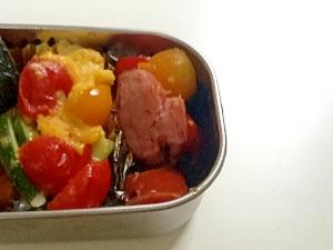 トマトとズッキーニの卵炒め☆パルメザンチーズ風味