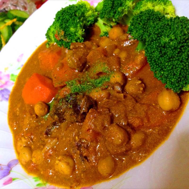 ラムとプルーンとひよこ豆のトマトヨーグルトカレー