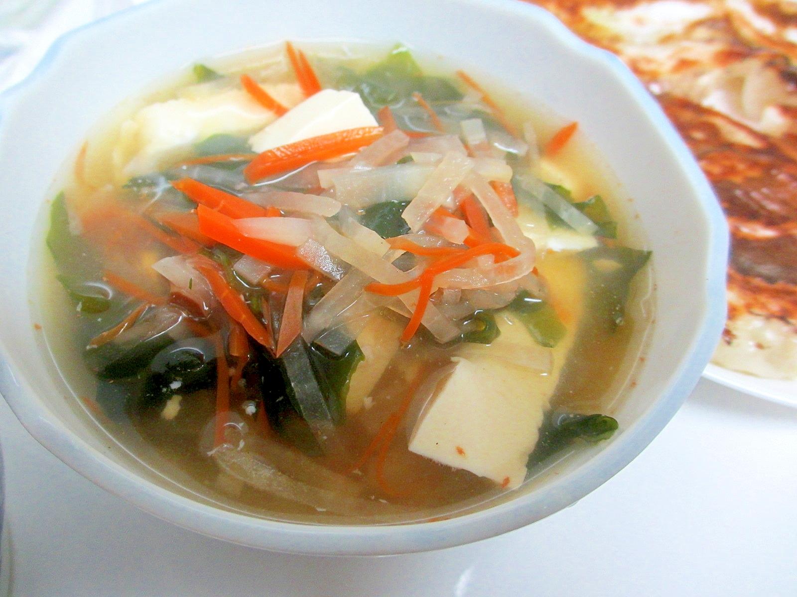 スルメ醤油で大根とワカメのスープ
