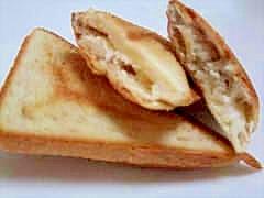 カッテージチーズと蜂蜜シナモンサンド