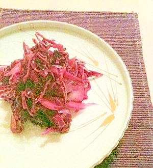 お肉料理の付け合せに☆紫キャベツのザワークラウト風