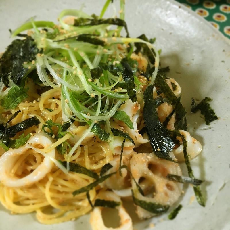ヤリイカとレンコンの和風めんたいパスタ レシピ・作り方 by 肉好きハラミ|楽天レシピ