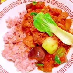 茄子と青梗菜と椎茸の中華ふぅ胡麻トマト豚カレー