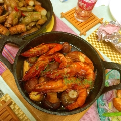 燻製有頭海老と野菜のアヒージョ