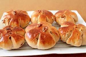 全粒粉で黒糖くるみパン