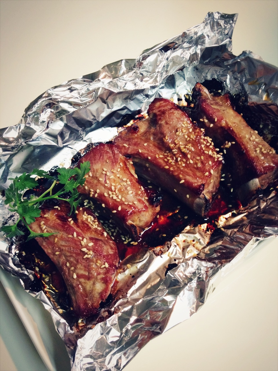 トースターで焼くだけ!焼き肉のたれで簡単スペアリブ