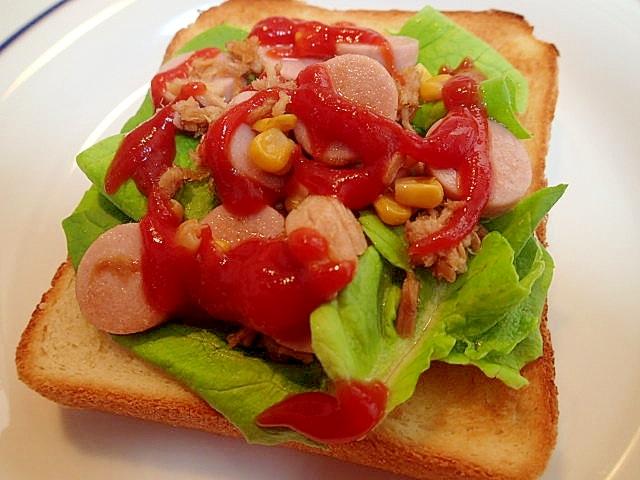 サラダ菜と。魚二ソ&ツナ&コーン炒めのトースト