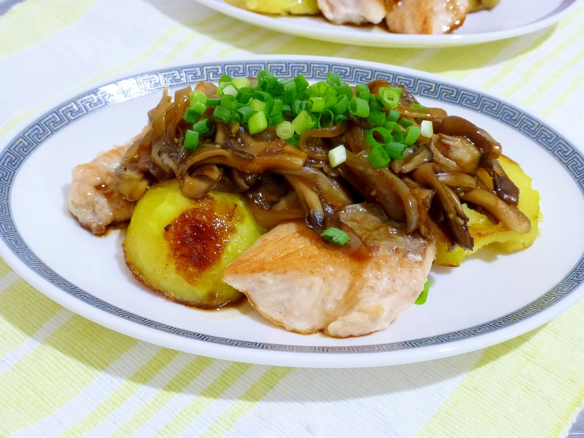 鮭とじゃが芋のソテー舞茸ソース