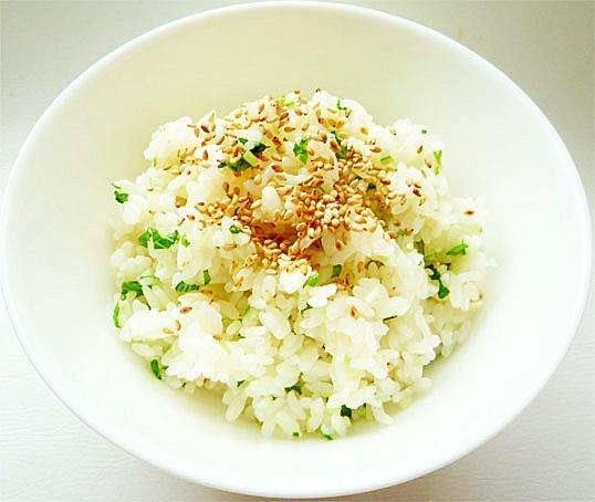 簡単ヘルシー 水菜のサラダ風混ぜご飯 余った水菜で