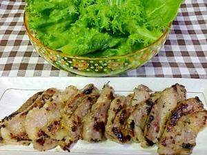 豚肩肉の黒コショウ焼き(塩麹を使って)
