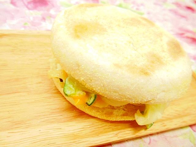 マフィンdeポテサラと茹で卵のチェダー・サンド