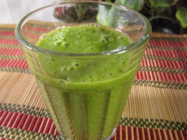 スムージー☆柿とバナナと青菜のグリーンスムージー