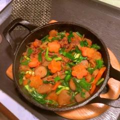 たんかく牛と根菜のコチュジャン炒め煮