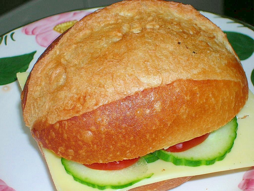 ゴーダチーズのサンドウィッチ♪