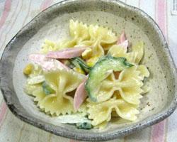 かわいいパスタ☆ファルファッレのサラダ