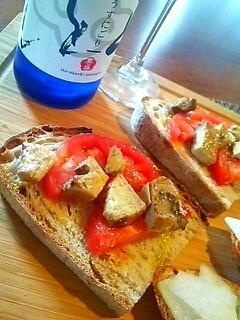 燻製カツオとトマトのブルスケッタ