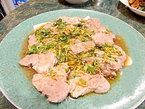 簡単美味しい低カロ☆豚ヒレのレンジ蒸し三つ葉ソース