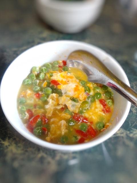 えんどう豆とパプリカの卵とじ