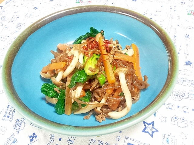正月肥に、糸コンニャクと野菜の炒め物