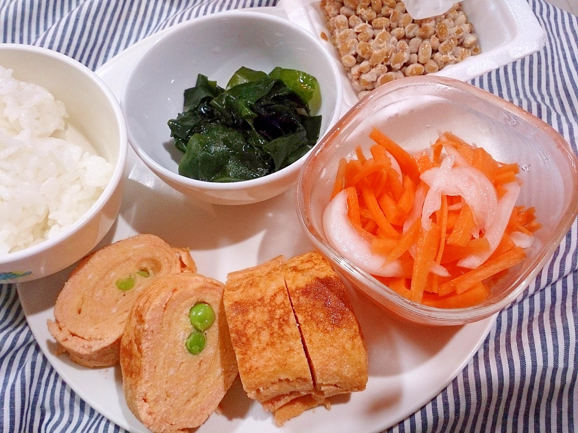 ワンプレート たらこの卵焼き納豆と酢の物サラダ