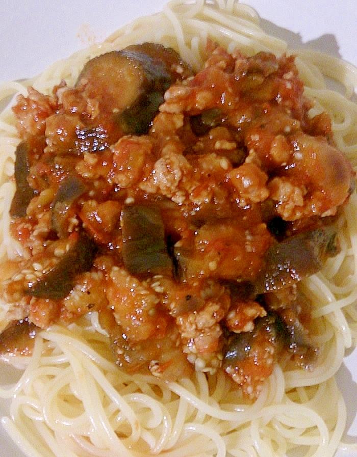 ナス・ひき肉・トマト缶のスパゲティ