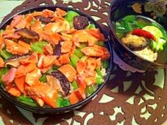 芳しいすだち酢飯で紅鮭と小松菜のちらし寿司