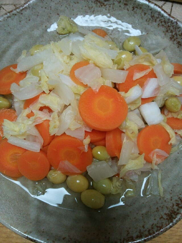 白菜とにんじんとぎんなんの温野菜煮込み