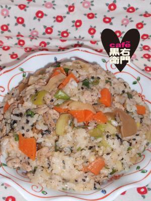 中華風!豚肉と搾菜の黒胡麻ご飯